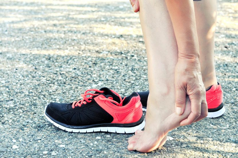 How to Buy the Correct Shoes For Heel Pain Treatment