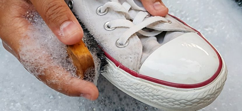 How to effectively clean your shoes?
